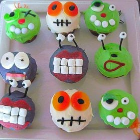 Halloween Party Food Ideas: Alien Cupcakes & Mummy Dip