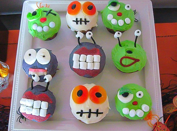 Halloween Party Food Ideas Alien Cupcakes And Mummy Dip