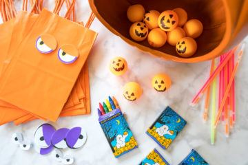 A list of fun toddler Halloween party game and activities that are easy and inexpensive.