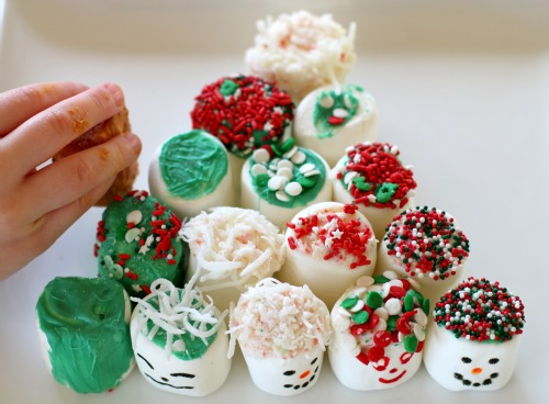 Dec 01,  · These Christmas tree marshmallow pops are simple to make, yummy to eat, and impressive to display or give. To serve at a holiday party, wrap a Styrofoam block (found at the craft store) with red or green tissue paper and prop in the block.5/5(1).