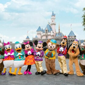 The BEST Guide to Visiting Hong Kong Disneyland