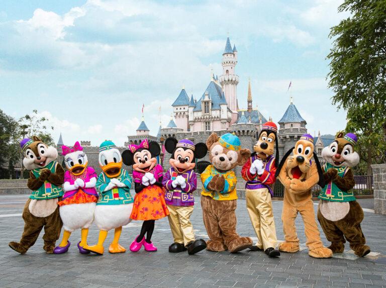 The BEST Guide to Visiting Hong Kong Disneyland
