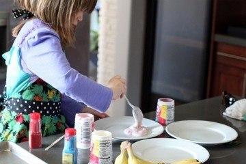 Frozen Banana Sticks - Yogurt Preparation