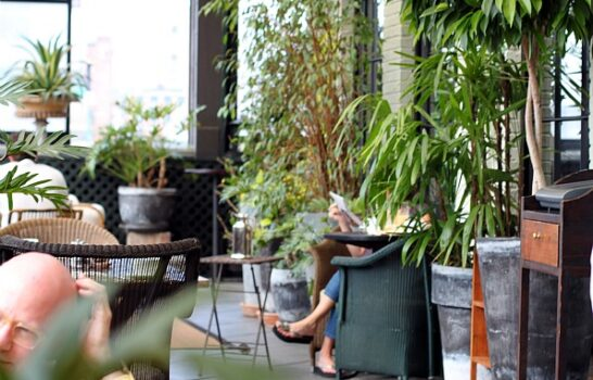 Luxury Hotel Inspired Design: Mix And Match Patio Decor