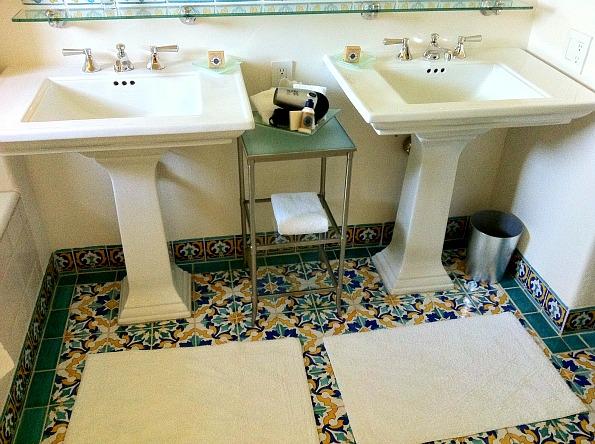 Spanish tile floors on pinterest mission style homes for Spanish tile bathroom floor