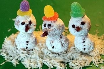 Donut Hole Snowmen Holiday Dessert Kids Recipe