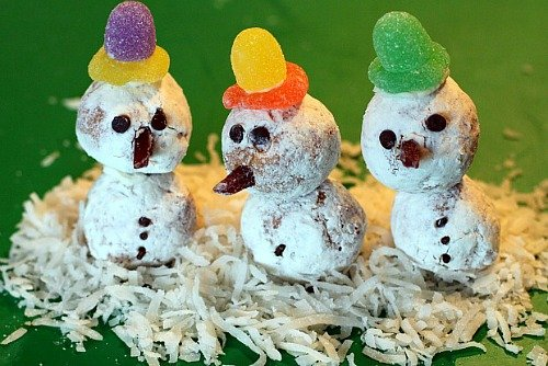 Kids Recipe:  Easy Donut Hole Snowmen