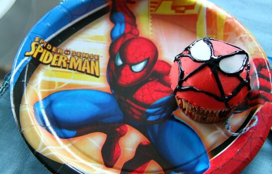 How To Make Easy Spider-Man Cupcakes