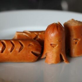 Kids Bento Lunches:  Animal-shaped Hot Dogs