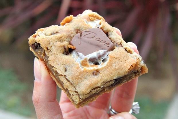 S'mores Cookie Bar Recipe