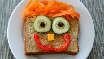 Kids Lunches Happy Sandwich