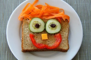 Kids Lunches Happy Sandwich
