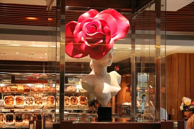 Mandarin Oriental Hong Kong Cake Shop