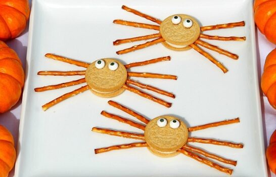 Kids Recipes: Spider Oreos