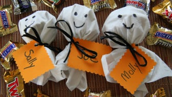 Mars Halloween Candy Ghosts