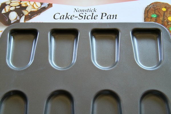 Nonstick Cake-Sicle Pan