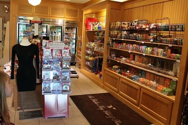 Balboa Bay Club Grog Shop
