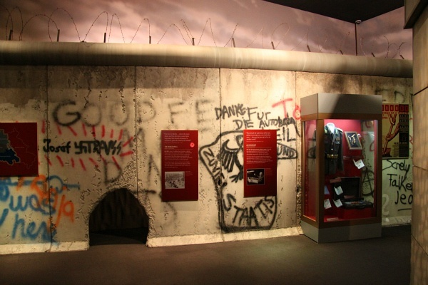 Ronald Reagan Presidential Library Berlin Wall Kids