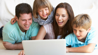 How to Use a Family Media Agreement for Online Safety