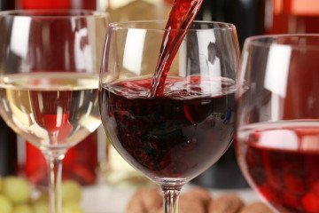 Red and white wine tips and reviews