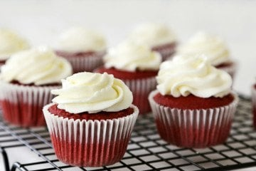easy mascarpone frosting recipe