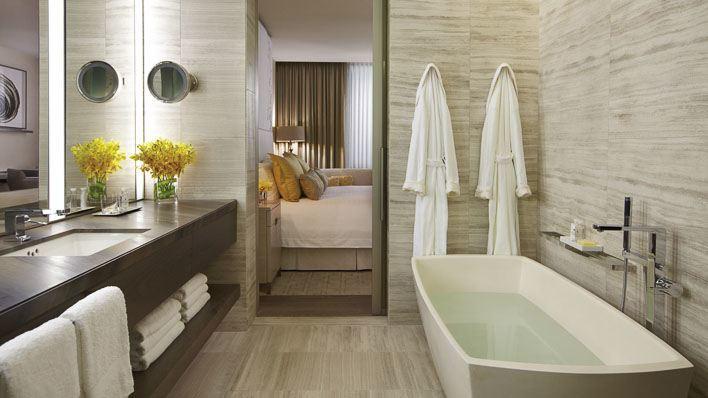 Four Seasons Hotel Toronto Bathroom