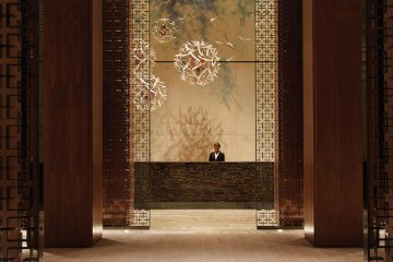 Four Seasons Hotel Toronto Dandelion Art