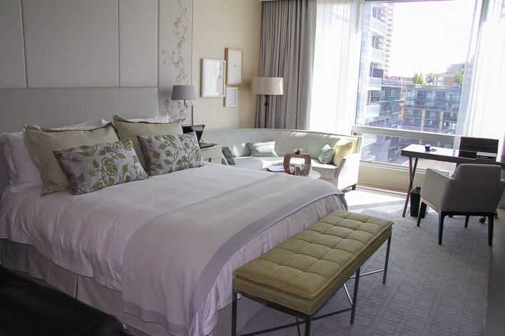 Four Seasons Hotel Toronto Room