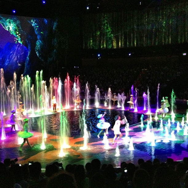 Things to do in Macau with kids-House of Dancing Water