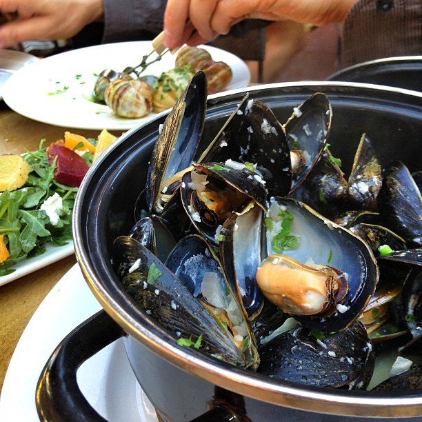 bo beau kitchen bar san diego mussels