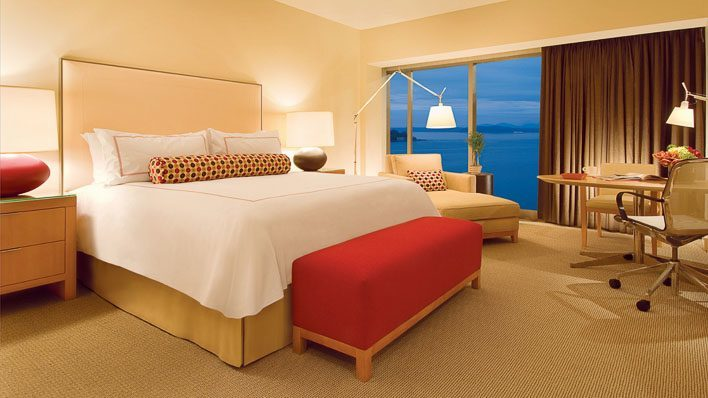 Four Seasons Hotel Seattle Luxurious Room
