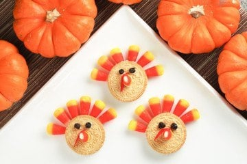 Your kids can make these easy Thanksgiving turkey cookies.