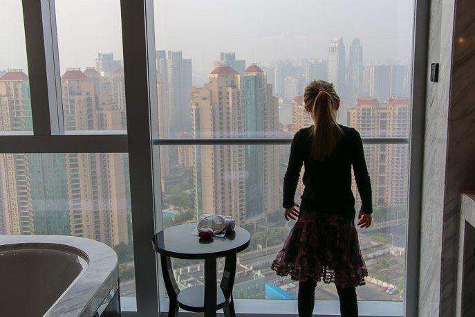 four seasons hotel shanghai pudong bathroom view