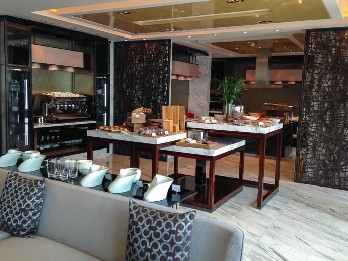 four seasons hotel shanghai pudong executive club