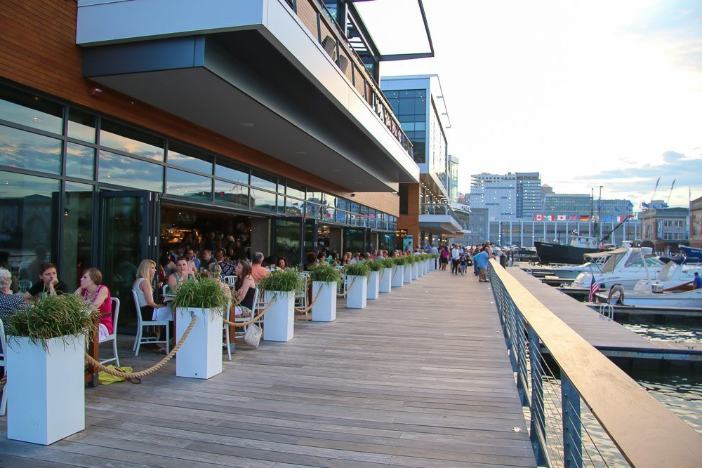 legal sea foods harborside outdoor patio