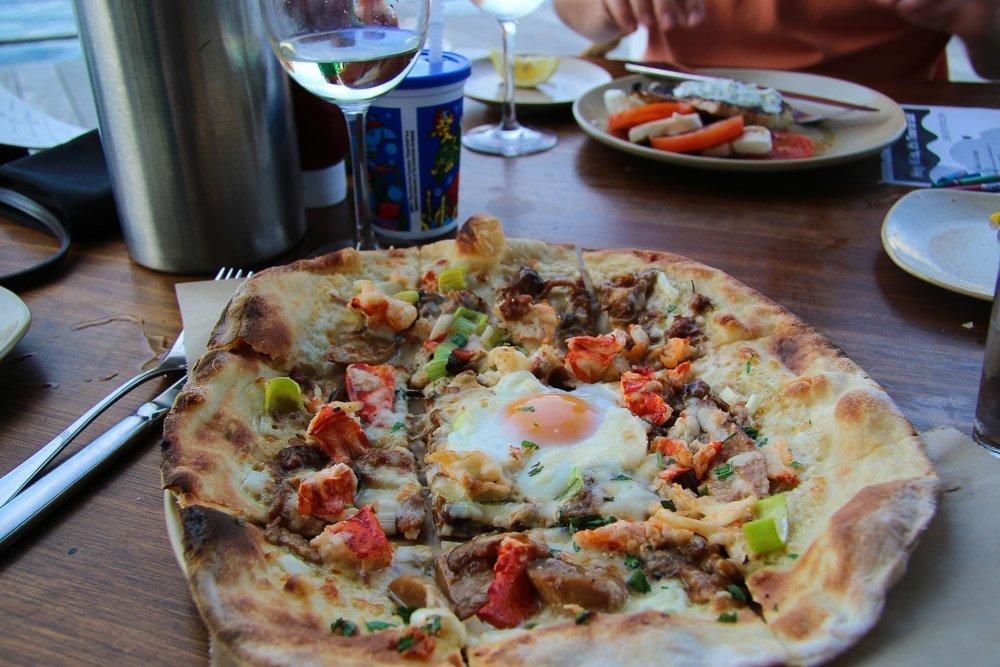 wild mushroom lobster pizza legal sea foods harborside