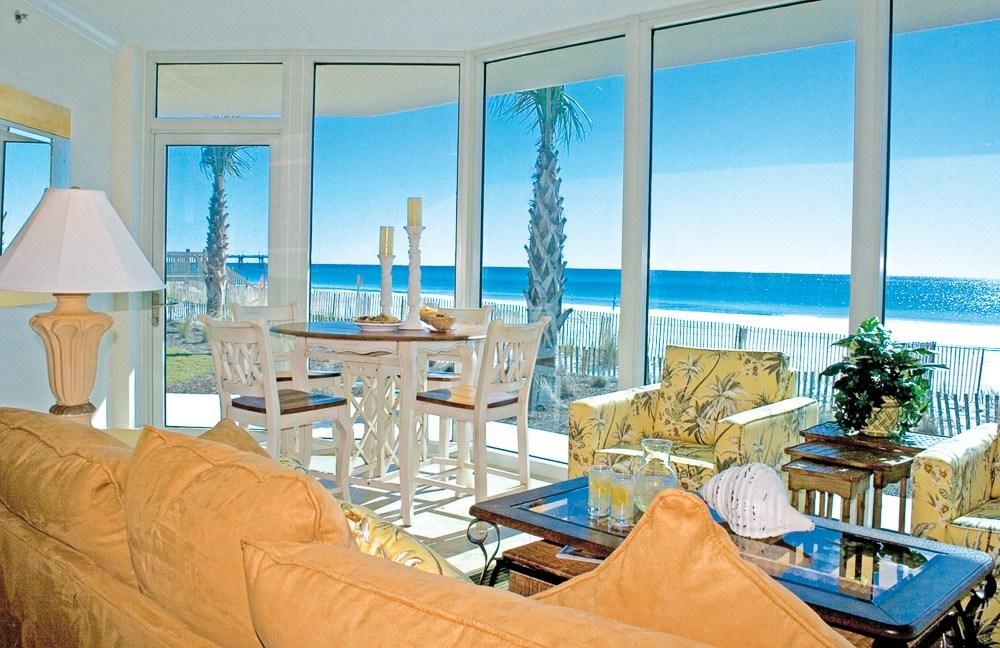 Florida Living Room View - Credit - Wyndham Vacation Rentals
