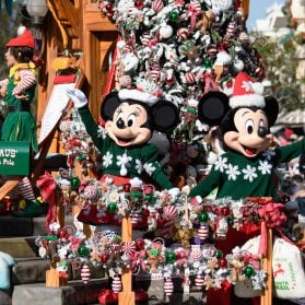 10 Reasons to Visit Disneyland Resort During the Holidays (2018)
