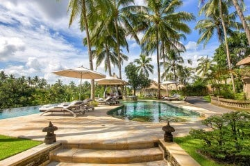 Win big at this luxury hotel charity auction