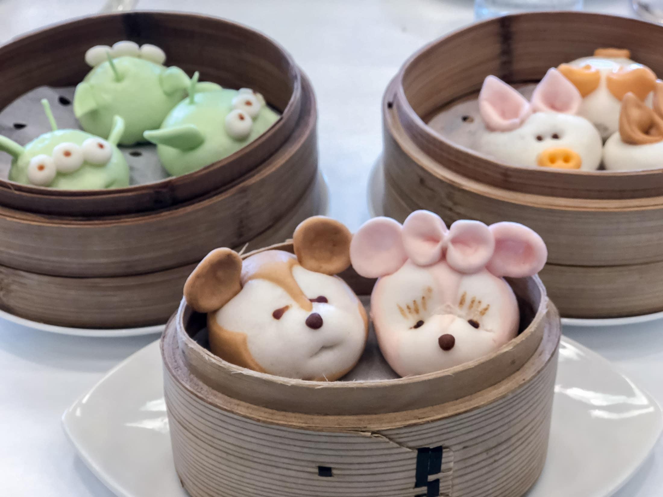 Duffy and ShellieMay dim sum at Hong Kong Disneyland Hotel