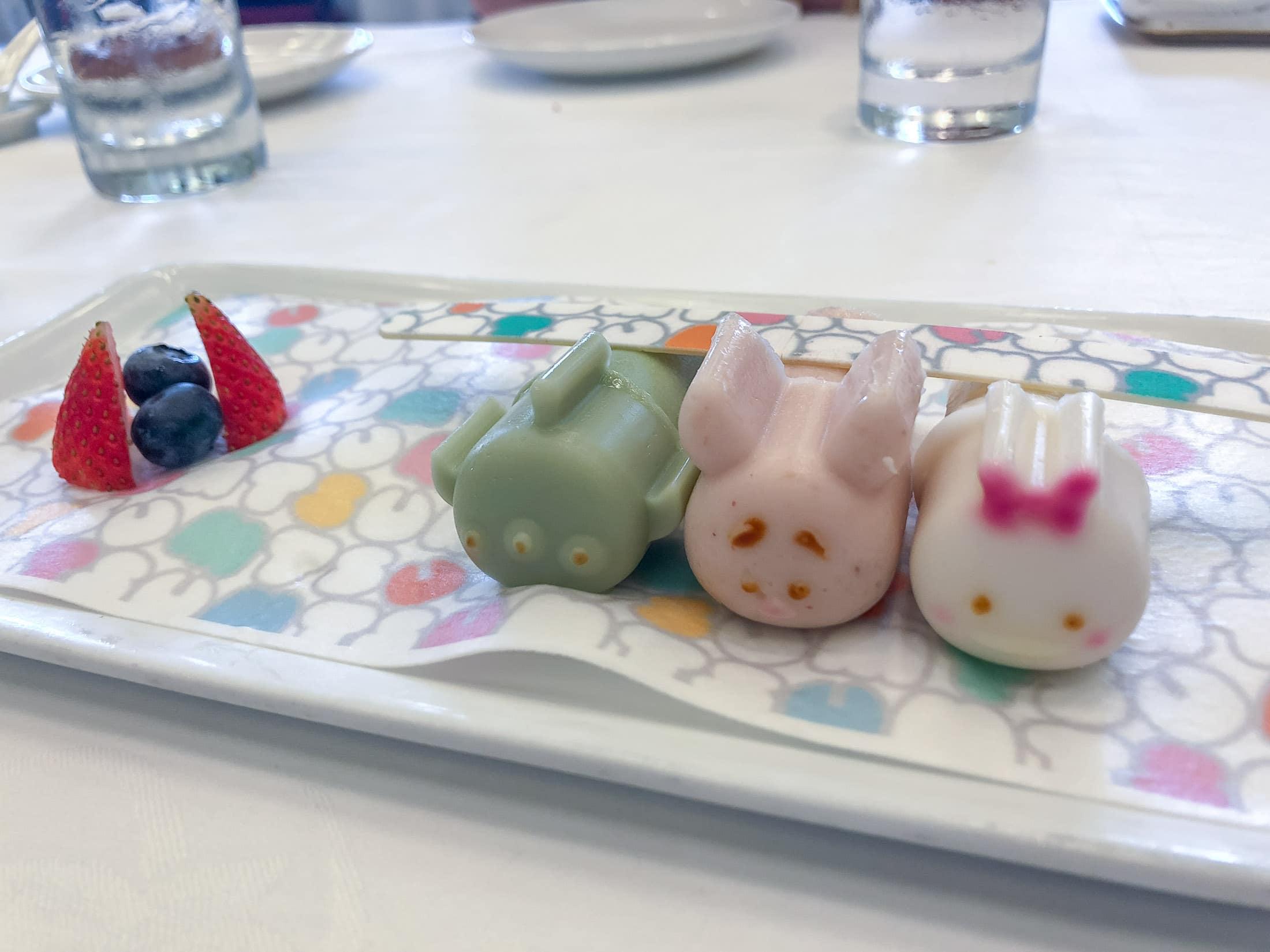 Tsum Tsum pudding at Hong Kong Disneyland Hotel dim sum