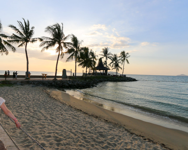 The Sunset Bar at Shangri-la's Tanjung Aru Resort and Spa is set on its own little island.