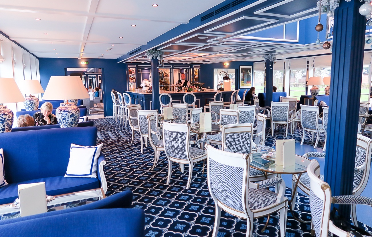 The gorgeous bar and lounge on Uniworld's River Queen ship