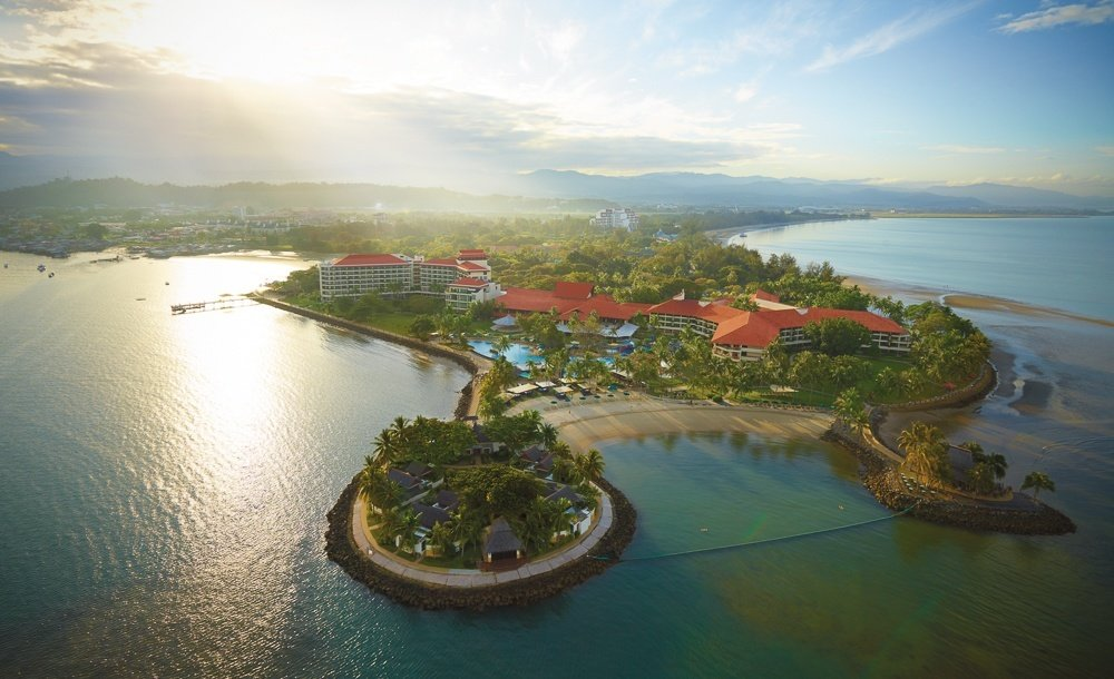 The oceanfront Shangri-la's Tanjung Aru Resort and Spa in Kota Kinabalu is amazing for families.