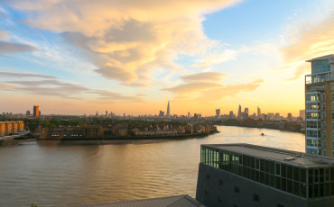 The sunset as seen from Four Seasons Hotel London at Canary Wharf