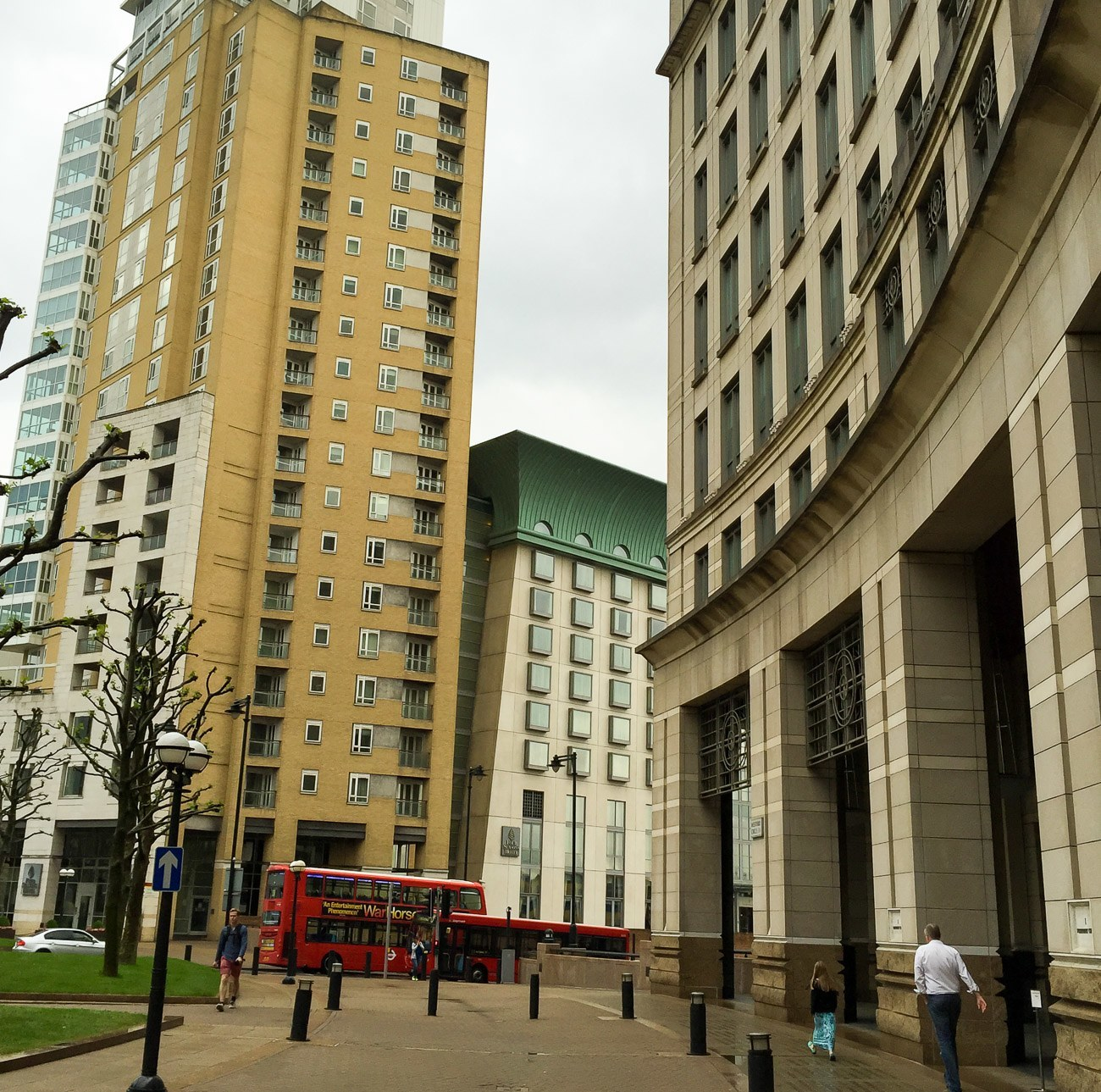 Four Seasons Hotel London at Canary Wharf has many conveniences within walking distance.