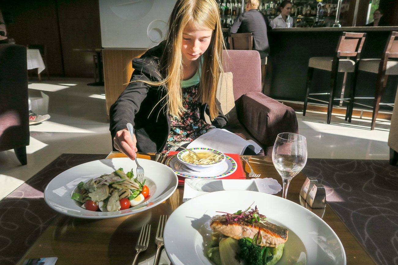 A mellow dinner at Four Seasons Hotel London at Canary Wharf's Quadrato lounge.