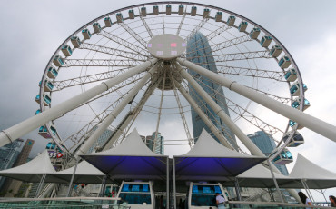 The Hong Kong Observation Wheel is a fun thing to do with kids (and without).
