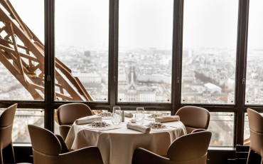 Le Jules Verne is the Michelin-star fine dining restaurant located on the second floor in the Eiffel Tower in Paris. A meal here is one that you will not forget.