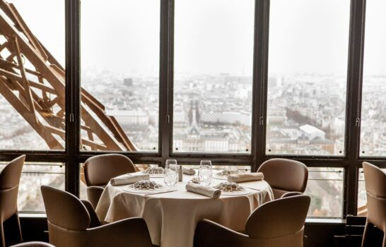 What It's Like to Dine in the Eiffel Tower at Le Jules Verne